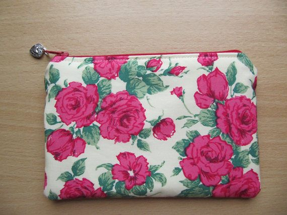Reminds me of perfumed English Roses,  Afternoon Tea and a gentle way of life. Make Up Bag, Cosmetic Purse, Carline Roses Makeup Bag, Zip Purse, Liberty of London Fabric