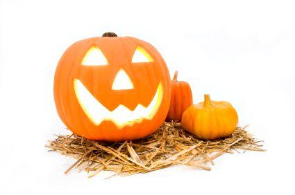 Our handy guide to making a Jack O Lantern #Pumpkin #Halloween https://www.giraffe.ie/step-by-step-guide-to-pumpkin-carving-giraffe-childcare/?utm_content=buffer8d841&utm_medium=social&utm_source=pinterest.com&utm_campaign=buffer
