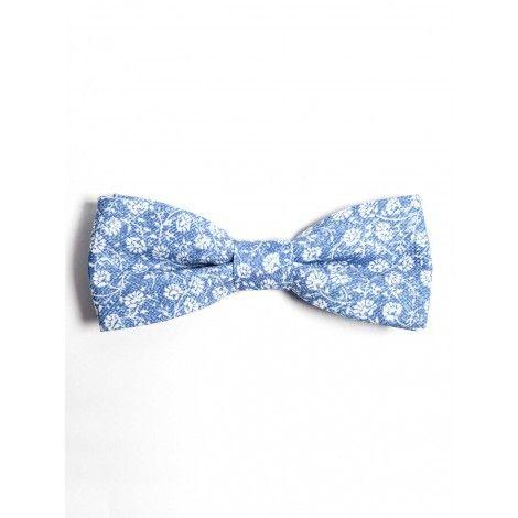 Bow tie by SOLOiO Available shop on line: www.soloio.com // Pajarita SOLOiO disponible en shop on line: www.soloio.com #bowtie #pajarita #print #menstyle #estilomasculino #preppy #dapper