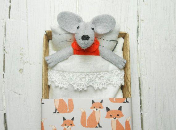 Felt mouse in matchbox newborn girl plush doll orange brown #mouseplush #feltedmouse #matchboxdoll