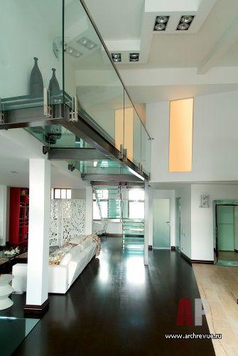 Фото интерьера гостиной двухуровневой квартиры | Дизайн интерьера двухэтажной квартиры в современном стиле | Interior design two-story apartment in a modern style