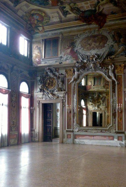 Venezia, Ca' Zenobio, La sala degli Specchi