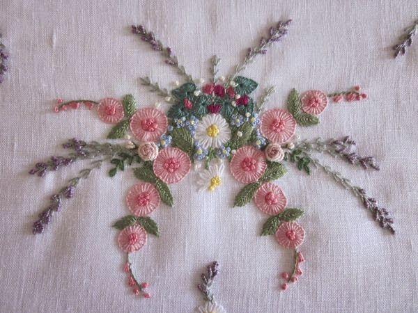 Elizabeth mano bordado: sofocado por las flores