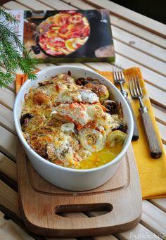 zapiekanka z kurczaka z majonezem, marchewką i cebulą