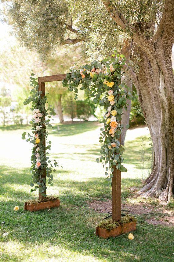 Rustic wedding altar   Wedding & Party Ideas   100 Layer Cake