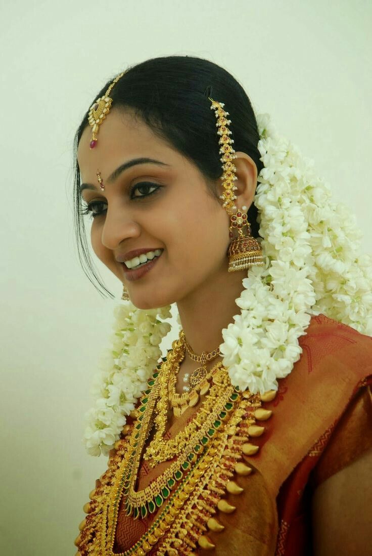 Kerala wedding reception dresses for the bride  Pin by manoj manoharan on kerala bride  Pinterest  Kerala