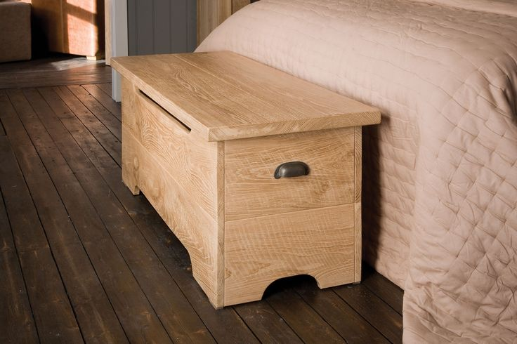 Ideal for storing clothes at the end of your bed, our solid wood Oak Ottoman hides a handy gas strut stay. Shop here» http://www.indigofurniture.co.uk/oak-ottoman?utm_source=social&utm_campaign=wintersale&utm_medium=tweet #bedroom #storage #oak #wood #bedtime #furniture #bedroomfurniture #home #indigofurniture #ottoman #blanketbox #solidwood