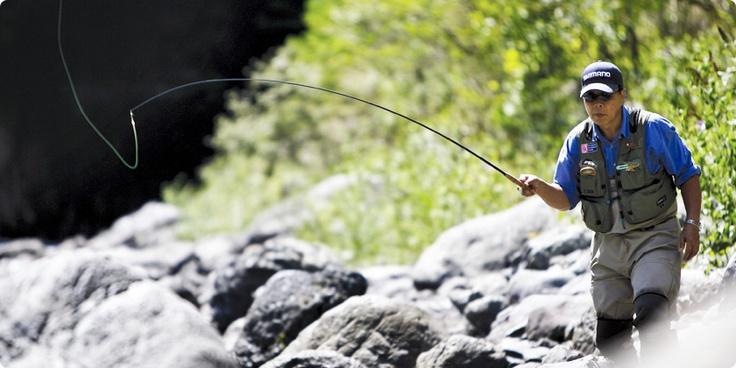 Honda | Honda釣り倶楽部 | 旬の釣り はじめよう | 【8月号】水面を割る渓流魚に興奮! | ポイントに上手く振り込んでみよう
