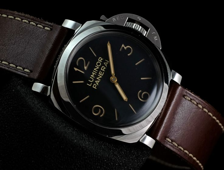 Panerai Pam372 Luminor Historical 1950 47mm Case 'P'  PAM 372 Movement Manual winding Movement/Caliber P.3000 Case Diameter 47 mm Case Material Steel Bracelet Material Leather Serial 'P'   Condition 95% (Fullset box paper Manual)  WE ARE BASED AT JAKARTA - INDONESIA please contact us for any inquiry : whatsapp : +6285723925777 blackberry pin : 2bf5e6b9 #panerai #pam372 #titanium #indoristi #bruristi #officinepanerai #paneristi #paneraicentral #singapore
