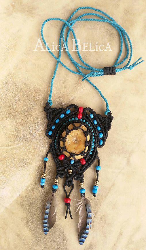 Alica.Belica / Amulet starého Liewenhoka - makramé náhrdelník s kremeňom, pierkami a korálkami, fantasy, čarovný