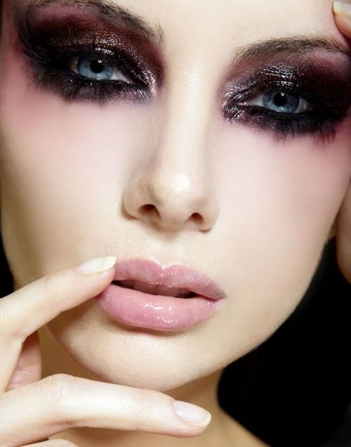 Loving the dark makeup....with black-out contacts: Dark angel