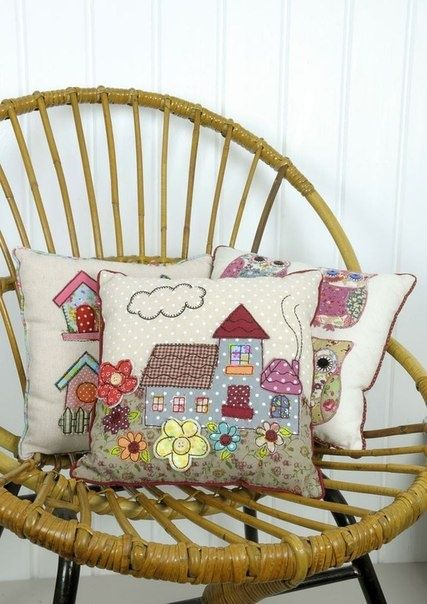 Pillows with patchwork applications (traffic, ideas) / pillows / SECOND STREET