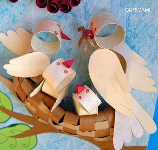 nestjeprendre 1/2 plat a soupe en sturomousse pour le nid et collé du foin artificielle et mettre les oiseaux dessus
