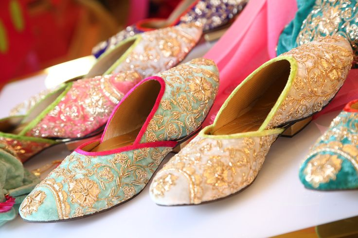 Life's too short for Boring Juttis. In a varied variety and completely in sync with today's fashion needs, #CasaPop is here to give a coveted edge to any outfit. Order online: http://www.casa-pop.com/Fashion/BUY-FOOTWEAR-ONLINE Shop Online Tea set coaster http://www.casa-pop.com/Lifestyle/COASTERS Shop online Designer candle http://www.casa-pop.com/Lifestyle/Candles Shop Online Breakfast Tray http://www.casa-pop.com/Lifestyle/Breakfast-Trays