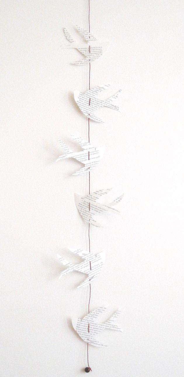 Guirlande oiseaux en papier recyclé de livre à suspendre : Décorations murales par 1-monde-a-part