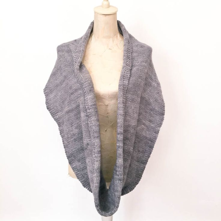 cowgirlblues free knitting pattern for this pure wool snood (infinity scarf) knit in handspun yarn