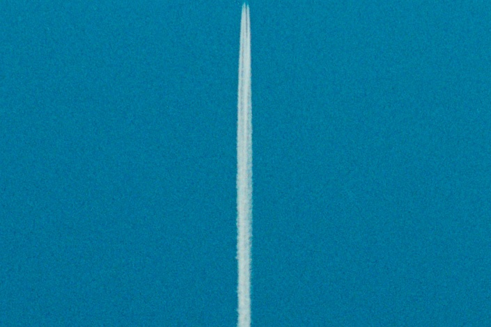Double, by artist and photographer Katsuhiro Saiki, is a photograph of a blue sky with a vapor trail of an aircraft. The vapor trail divides the picture into two as a vertical line at the center.: Blue Sky, Jets Trail, Trail Dividers, Katsuhiro Saiki, Blue Skies, Vapor Trail, Photographers Katsuhiro, Amazing Minimal, Creative Inspiration