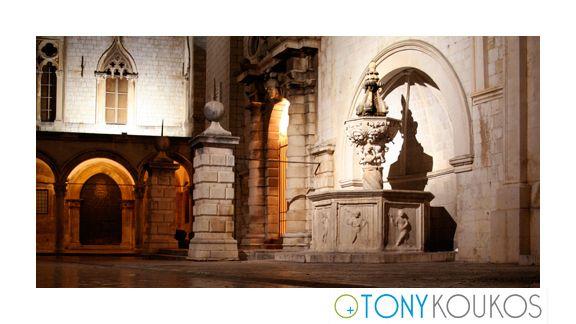 fountain, reflection, stone, columns, masonry, arches, architecture, night, dubrovnik, croatia, europe, travel, photography, art, places