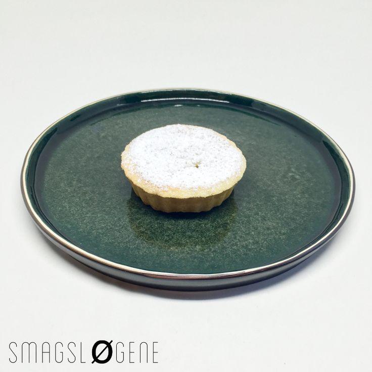 Tjek opskriften på en super lækker pæretærte med mazarin creme. Pæretærten er bedste i sæsonen fra september til december er Smagsløgene mening.