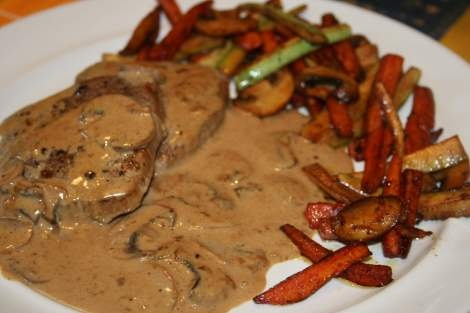 Steak Diane... a classic tableside entree...  this one looks pretty good and the site is excellent.