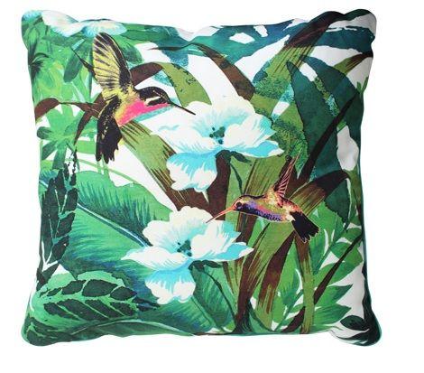 Essenza Silas green kussen natuur  in huis  vogels safari 50 x 50 cm dekbedovertrek katoen satijn kolibriplanten bloemen groen natuur in slaapkamer