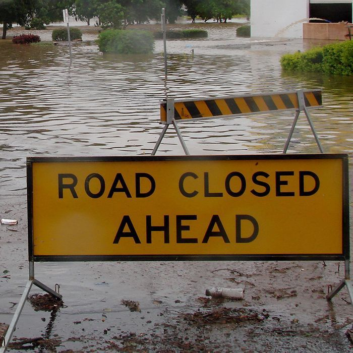 Queenslanders are urged to prepare for heavy rain and possible flash flooding over the weekend.