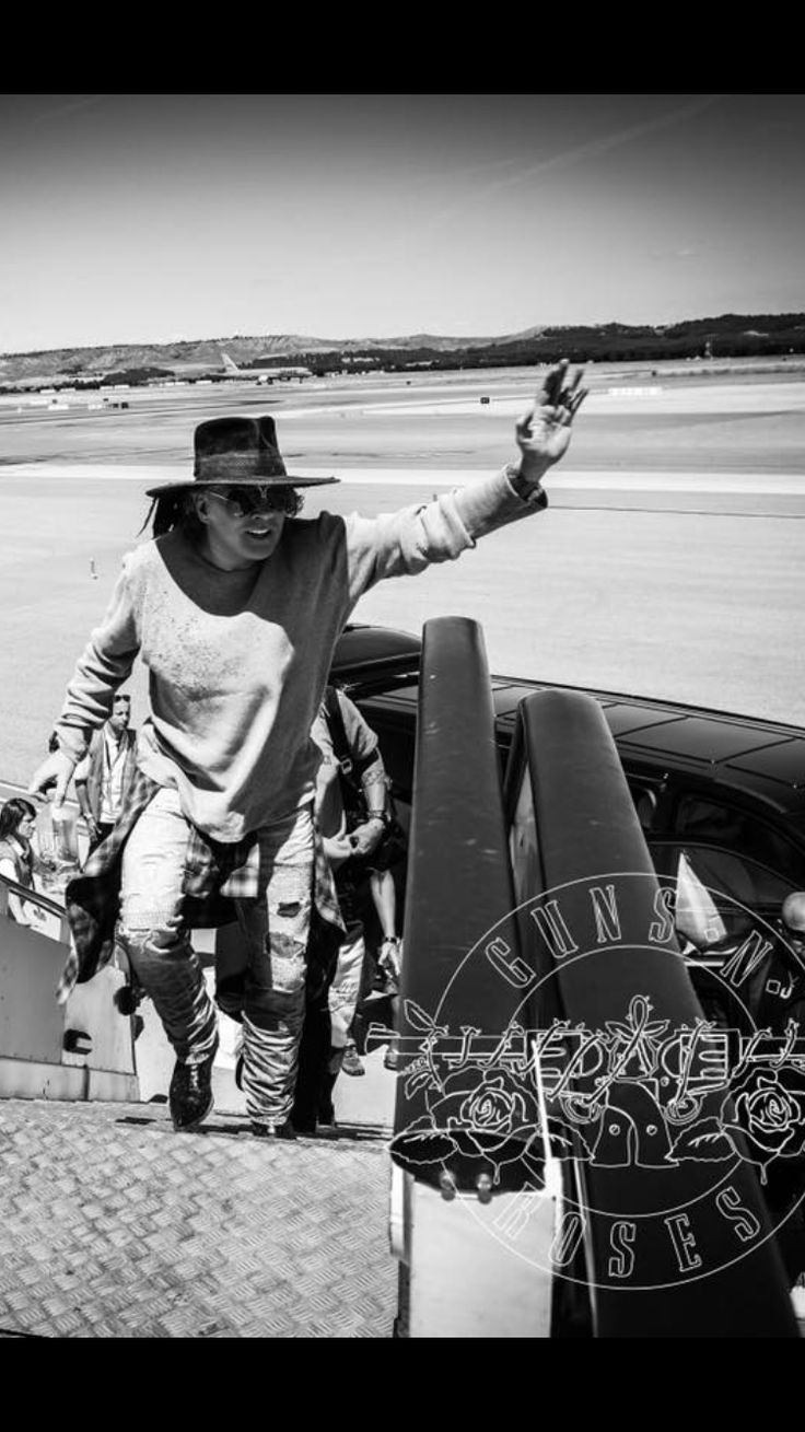 GOODBYE EUROPE! See you next time! Not in this lifetime tour is over for Europe .... :'(  GUNS N ROSES