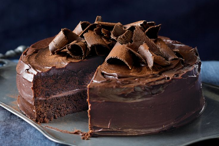 Favourite chocolate cake. Food Porn http://www.taste.com.au/recipes/30463/favourite+chocolate+cake