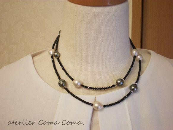 キラキラ輝くブラックスピネルに黒蝶真珠&淡水パールがポイントのデザイン。黒蝶真珠がとっても上品な高級感を感じます。一連でさらっと着けるだけで、オシャレに仕上が...|ハンドメイド、手作り、手仕事品の通販・販売・購入ならCreema。