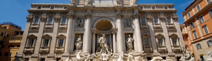 Rom ist die ewige Stadt - und bis heute eine der bedeutensten und atemberaubendsten Zeugen vergangener Epochen und Zeiten, natürlich vor allem der des Römischen Imperium. Doch Rom ist auch eine moderne Metropole. Wo also anfangen bei einem Städtetrip in der italienischen Hauptstadt? Wir haben Tipps für Euch, um beide Seiten Roms kennen zu lernen und sagen Euch, wie und wo ihr günstig unterkommt.