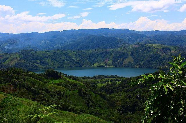 ¿Colombia? 5 razones que te harán decidirte - http://www.turistasenviaje.com/colombia-5-razones-te-haran-decidirte/ Aunque la lista de razones para que no te lo pienses más y busques vuelos baratos a Colombia con Expedia es interminable aquí te cuento sólo algunas de ellas para así dar el paso a lo que es un viaje inolvidable     La biodiversidad   Colombia se sitúa el segundo de los países con mayor biodi...