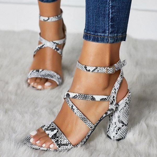 Hebilla de correa de tobillo Sandalias de bloque de color serpentino de tacón grueso con punta abierta   – Shoes