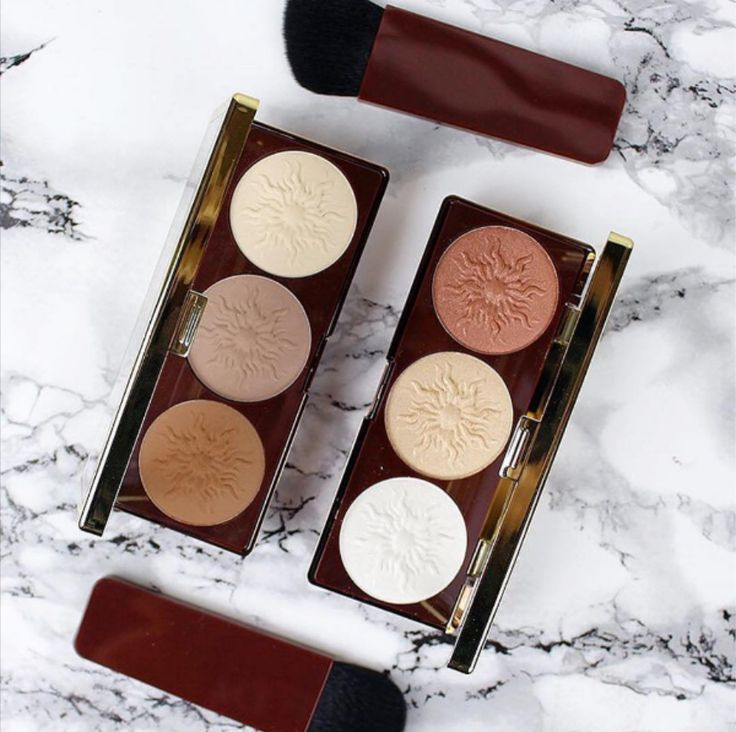 NEW Bronze Booster Contour and Strobe Palettes for a matte contour and shimmery highlight glow. Perfect to combine each other, very pigmentated and with a beautiful finish