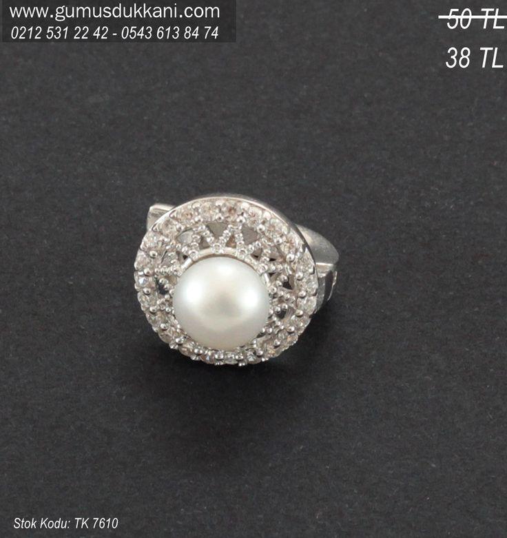 Gümüş İnci Küpe 38 TL. http://www.gumusdukkani.com/gumus_kupe/gumus-inci-kupe  - Gümüş inci küpe siparişini Gümüş Sipariş Hattımızı arayarak ya da web sitemiz üzerinden online olarak yapabilirsiniz.  Sipariş ve bilgi için,  WhatsApp Tel: 0543 613 84 74 Sabit Tel: 0212 531 35 59  #gumusdukkani #gumuskupe #gumuskupeler #gumusincikupe #incikupe #gumus #gumuskupemodelleri #gumuskupefiyatlari