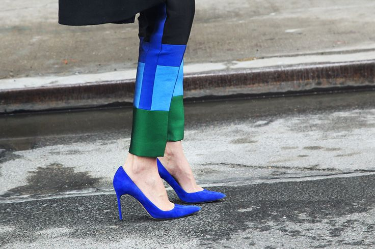 I find this beautiful for some reasonFashion Weeks, Cobalt, Street Style, Blue Shoes, Colors Block, New York Fashion, Blue Su Shoes, Electric Shoes