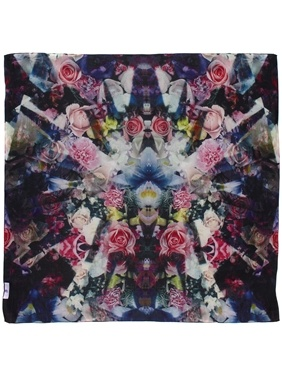 Beta Diamond Flower silk scarf