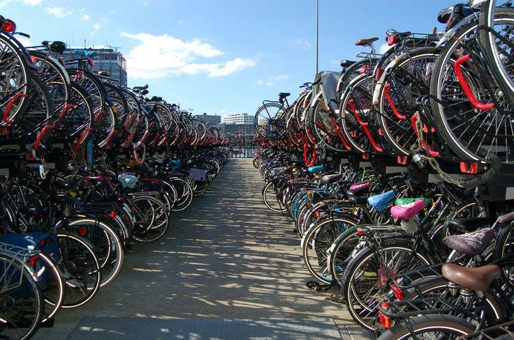 Парковка для велосипедов, Амстердам, Нидерланды