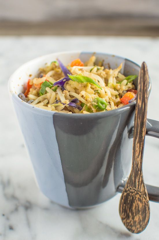 10. Egg Fried Rice in a Mug #healthy #meals http://greatist.com/eat/healthy-mug-recipes