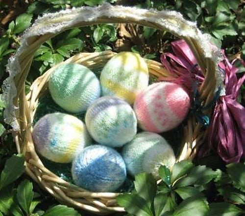 Ravelry: Project Gallery for Easter eggs pattern by little cotton rabbits, Julie Williams-free knitting pattern