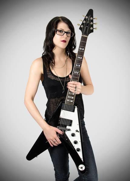 Morgan Lander Es La Cantante Y Guitarrista Del Grupo De