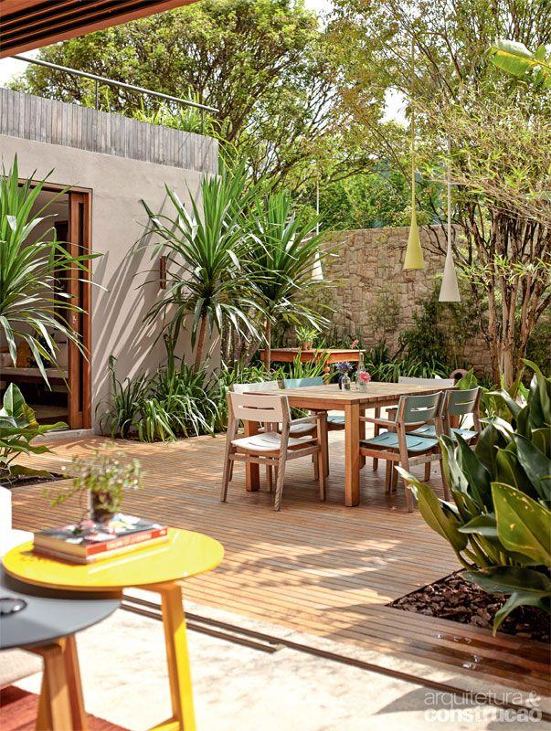 Lush, modern, inviting......Já viu uma sala-varanda? Esta casa de campo tem uma - Casa