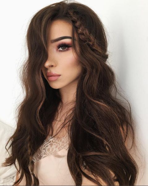 We love mermaid waves as much as the next gal, but we love them even more when there are some ethereal braids thrown into the mix.  #refinery29 http://www.refinery29.com/2016/09/121887/fall-makeup-ideas-2016#slide-2