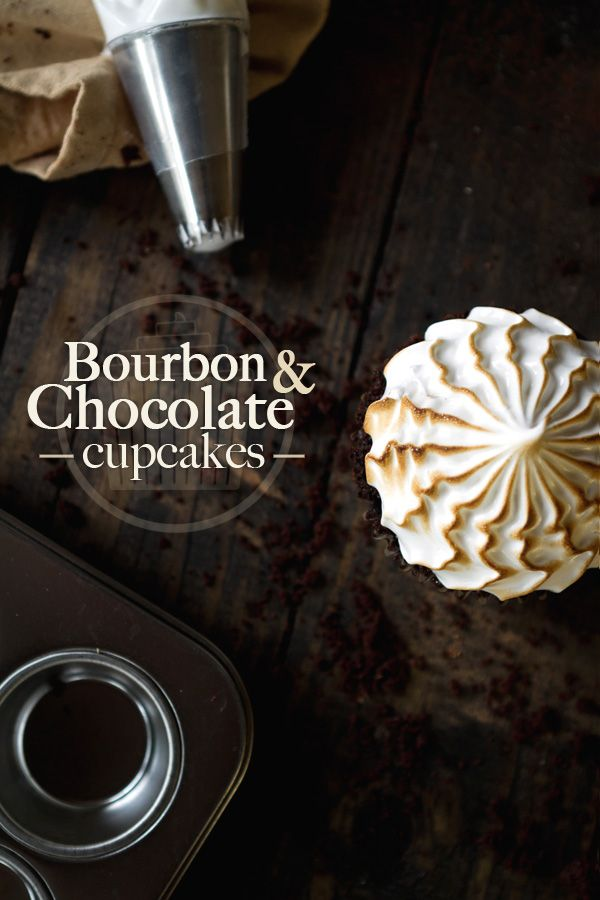 Bourbon & Chocolate CupcakesCupcake Recipes, Chase Delicious, Cupcakes Recipe, Chocolates Cupcakes, Cream Filling, Bourbon Cream, Bourbon Chocolates, Bourbon Chocolate Cupcakes, Chocolate Bourbon Cupcakes