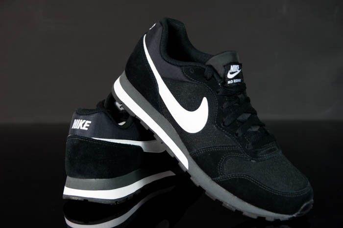 Schwarze Schuhe Nike MD RUNNER für jeden Mann. Wir empfehlen diese Schuhe, wir haben der beste Preis auf dem Martk.  #Schuhe #Nike #Herren #Runner #Sport #Martk
