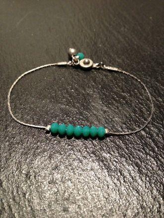 Bracelet fin perles de verre bleu bohème