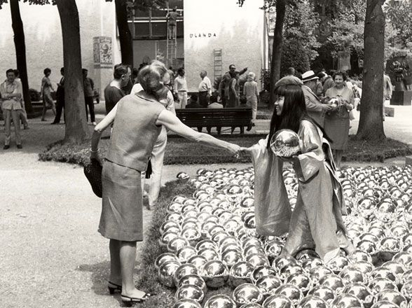 >>> Yayoi Kusama, Narcissus Garden installation at the 1966 Venice Biennale.