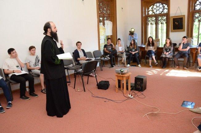 Teambuilding despre autocunoaştere, creştere şi dezvoltare personală, la Miclăuşeni - Mar, 08 Iul 2014 00:48:07 | Doxologia