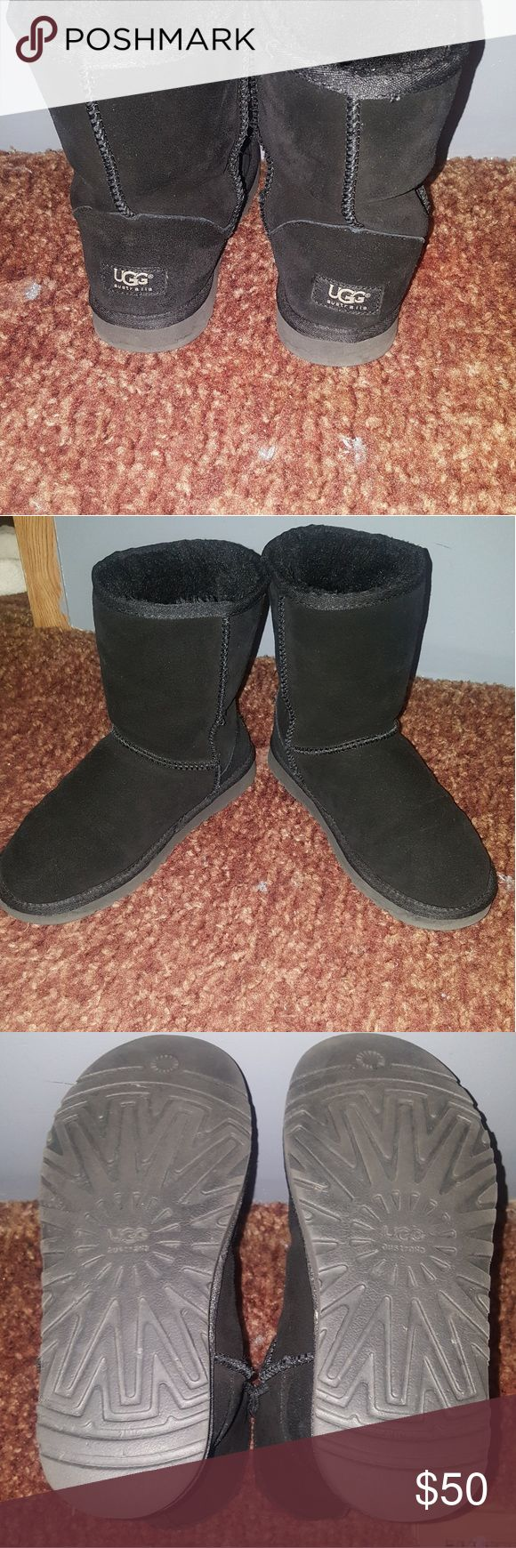 Ugg boots... Must go!!! Worn lightly. Doesn't come with original box. Trades are welcomed. UGG Shoes Ankle Boots & Booties