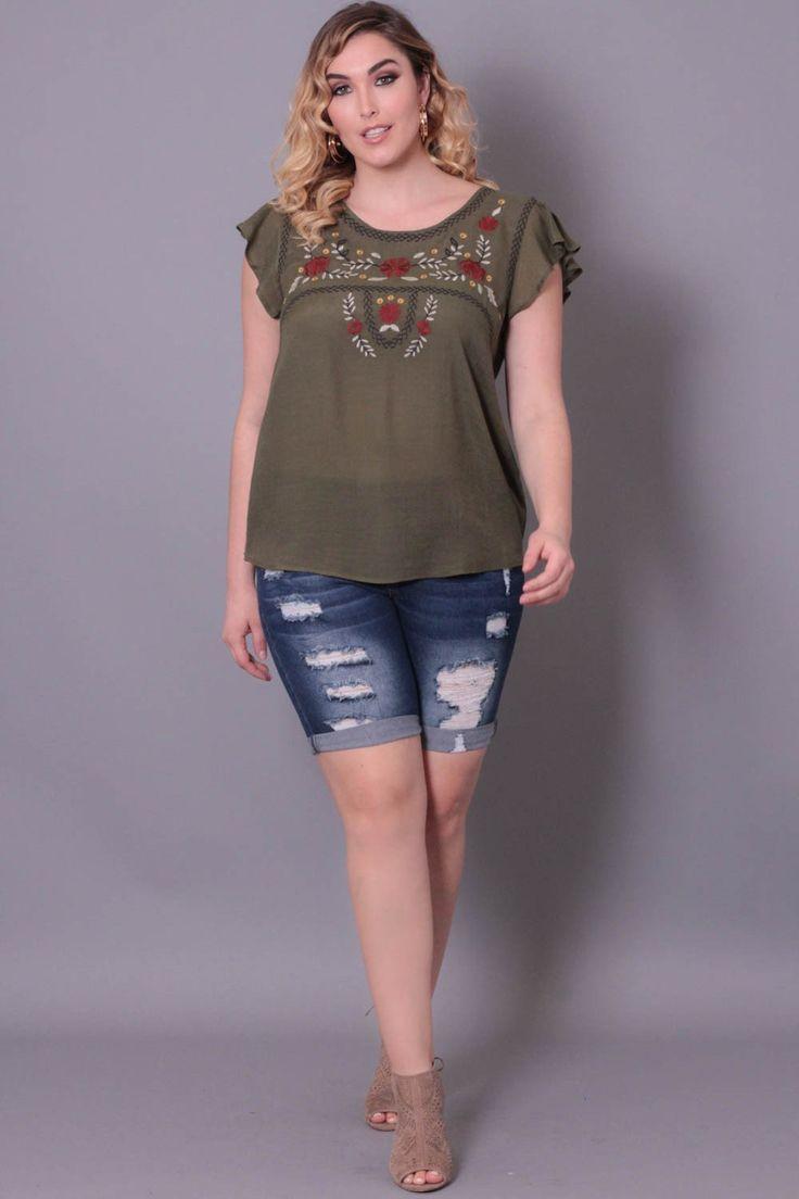 #CurvySense #distressed #denim #shorts #summerstyle #bermudashorts #jeans #fashion