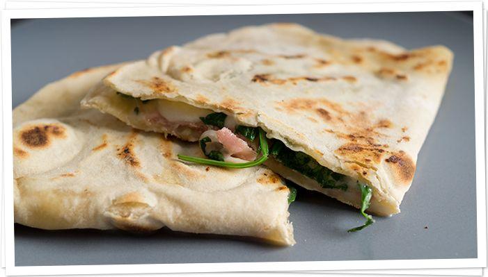 Piadina,  ein italienischer Wrap auf Der Leckerbissen Food Blog